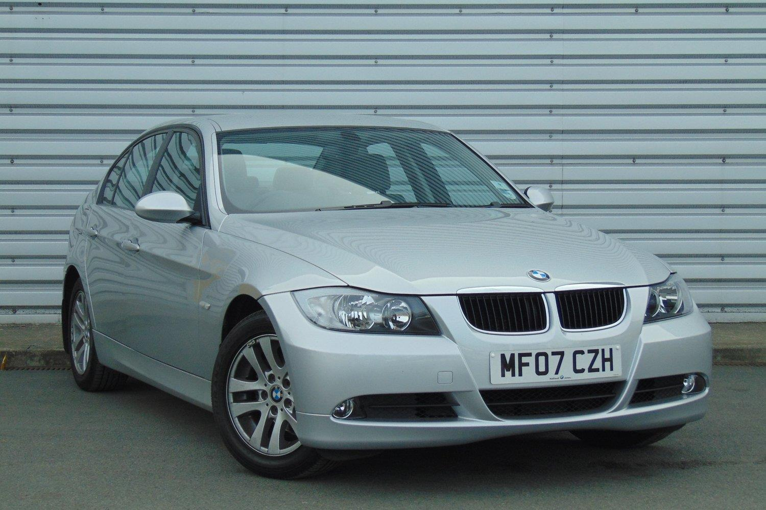 BMW 3 Series Saloon MF07CZH - Image 9