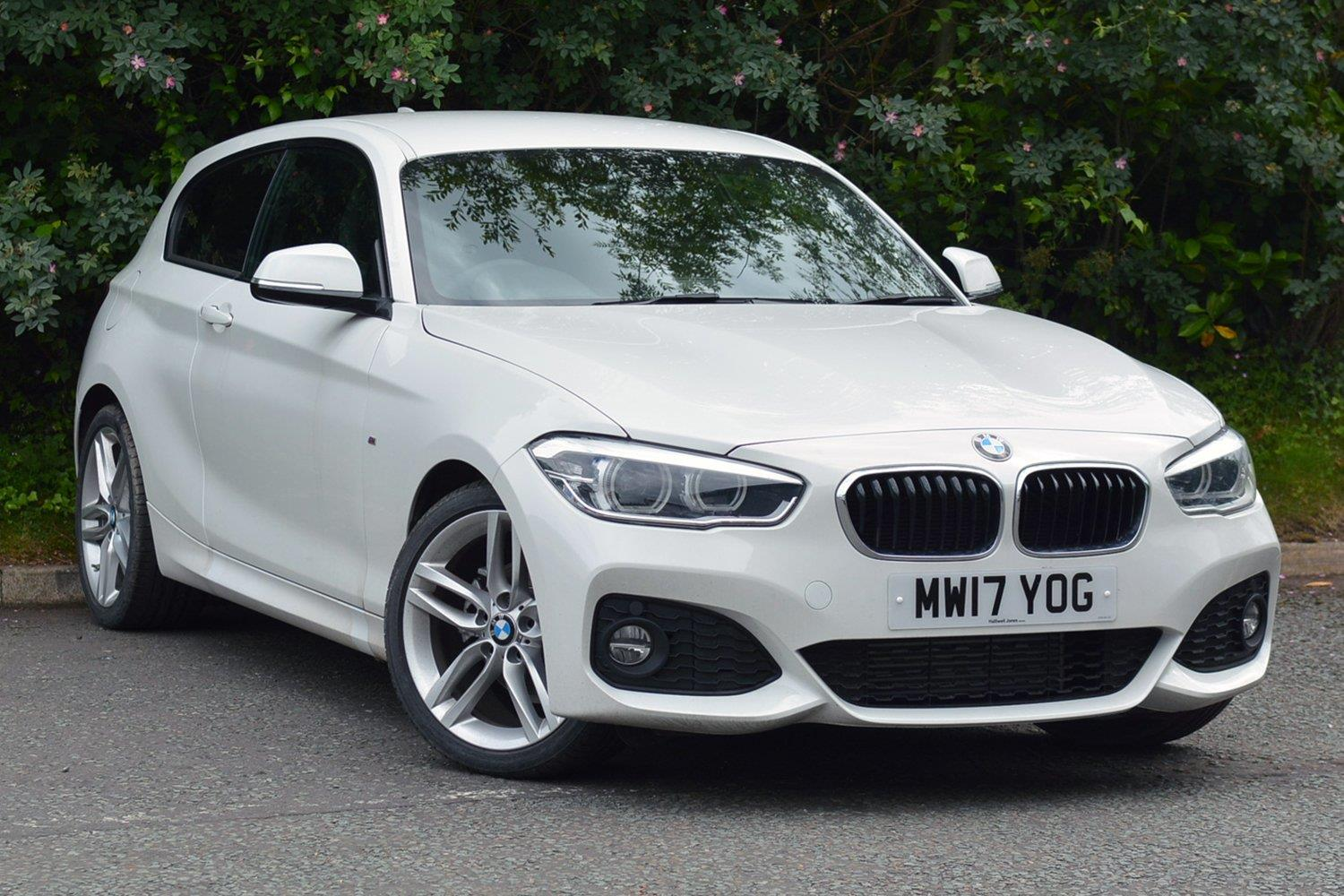 BMW 1 Series 3-door Sports Hatch MW17YOG - Image 8