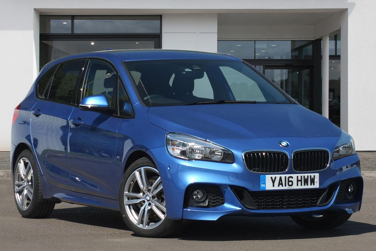 BMW 2 Series Active Tourer 5-Door YA16HWW - Image 6