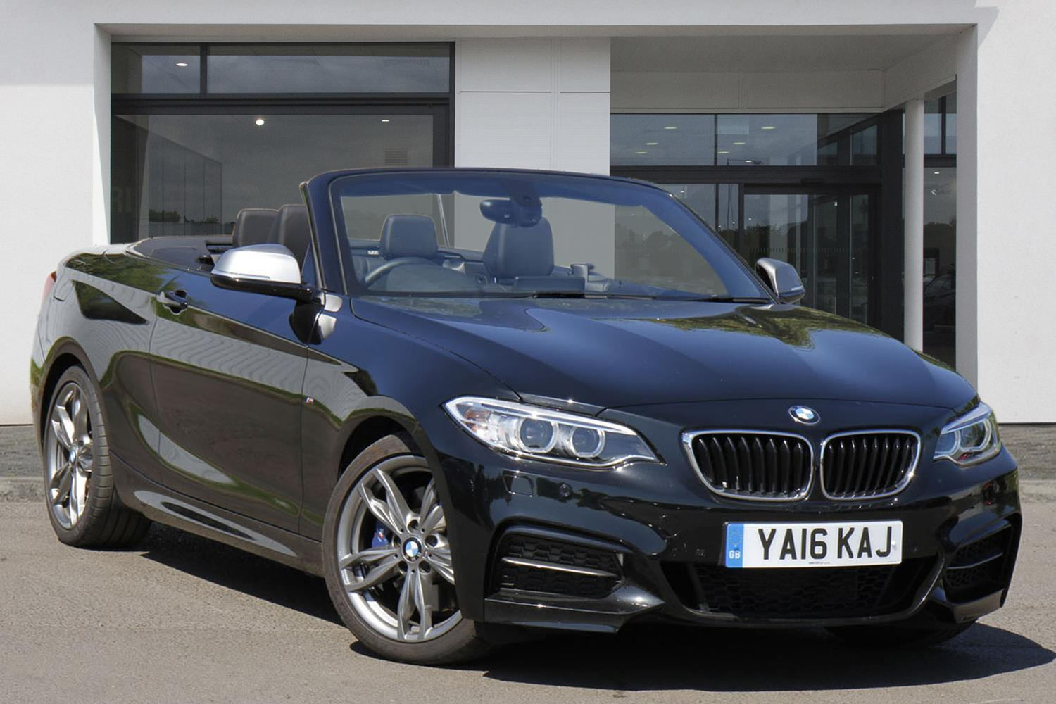 BMW 2 Series Convertible YA16KAJ - Image 10