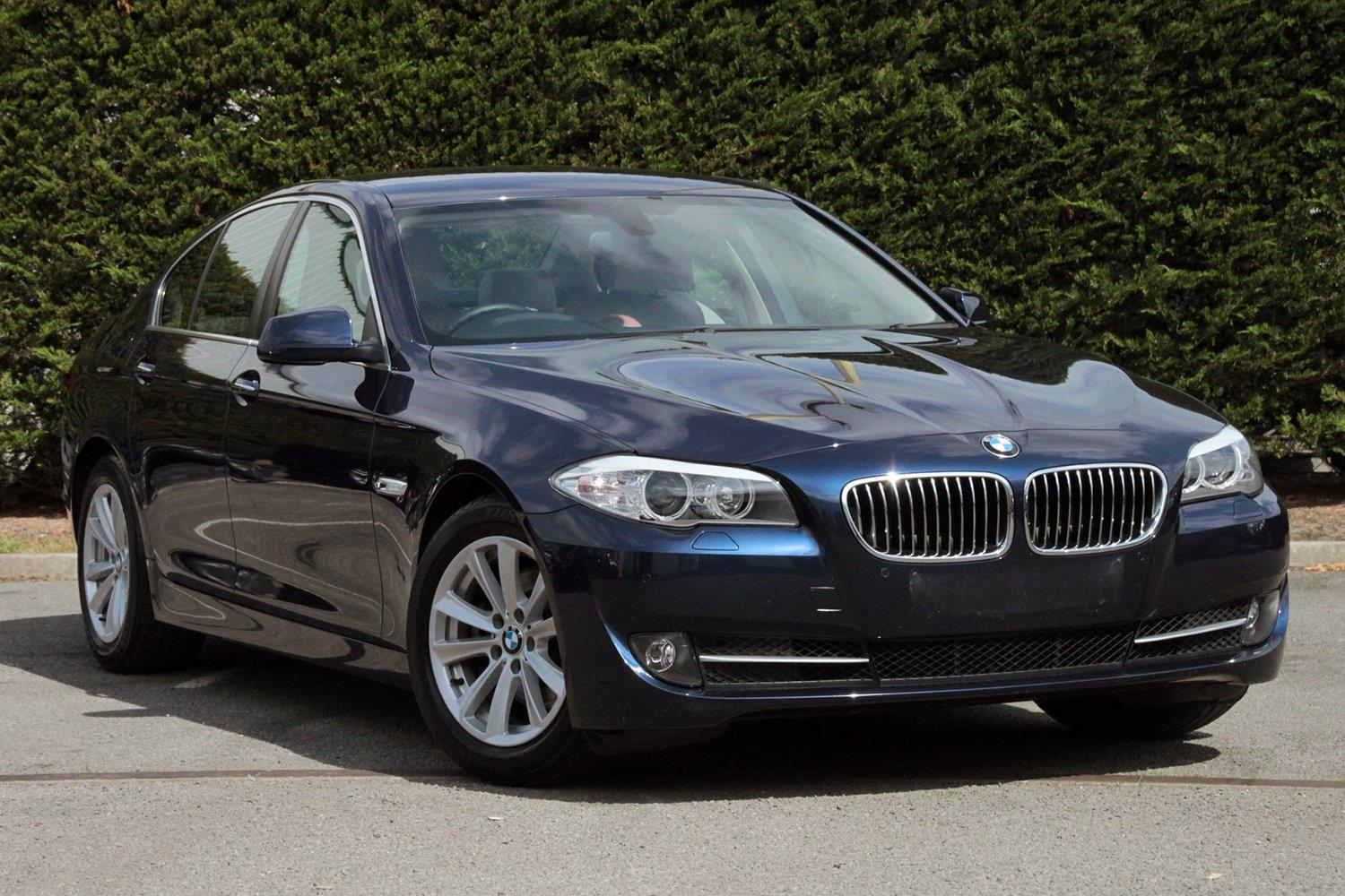 BMW 5 Series Saloon YD13LNA - Image 2