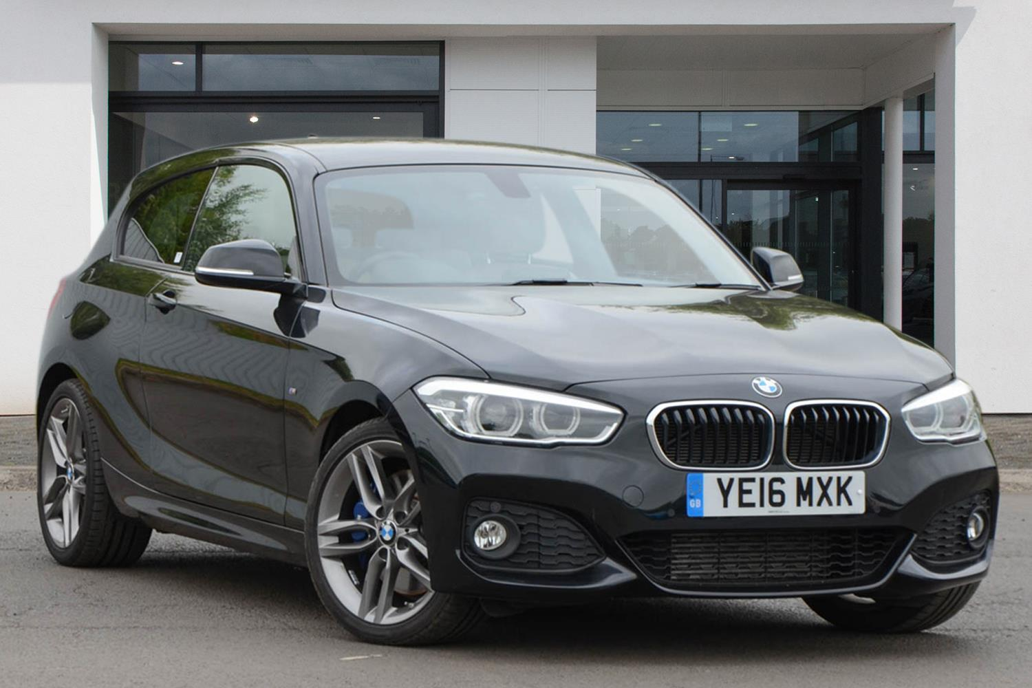 BMW 1 Series 3-door Sports Hatch YE16MXK - Image 2