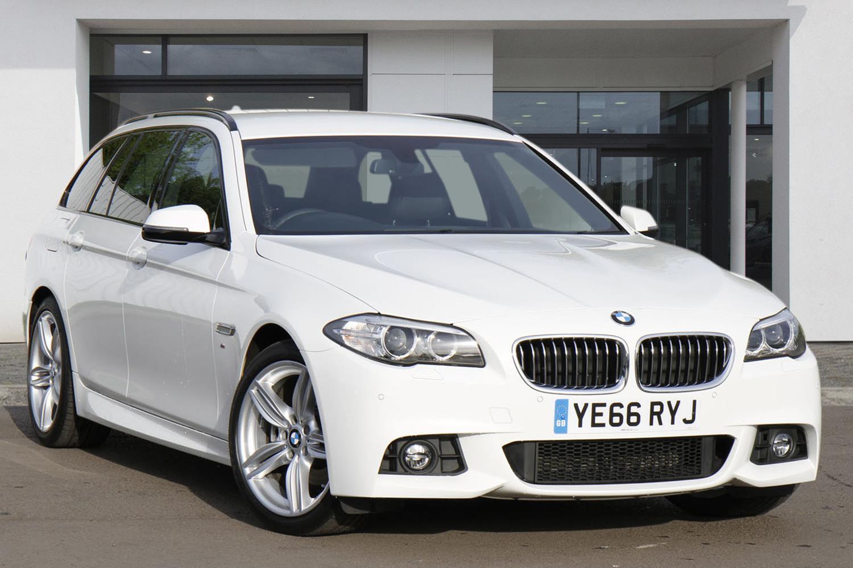 BMW 5 Series Touring YE66RYJ - Image 4