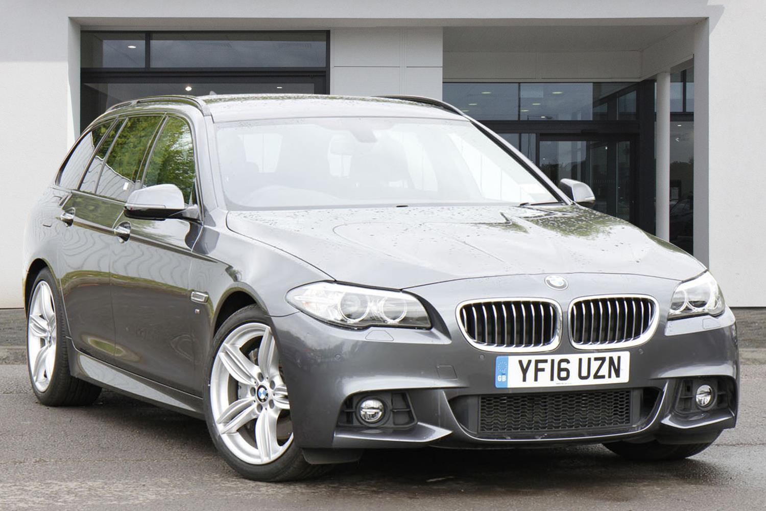 BMW 5 Series Touring YF16UZN - Image 1