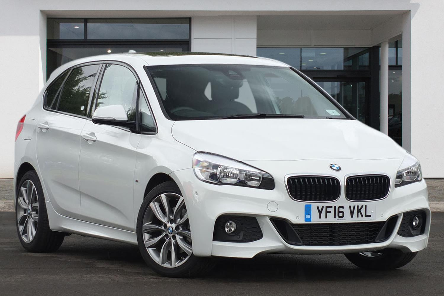 BMW 2 Series Active Tourer 5-Door YF16VKL - Image 7