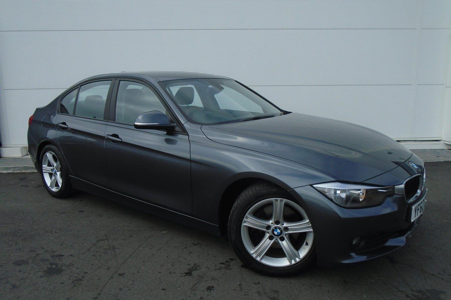 BMW 3 Series Saloon YF62ZVE - Image 10