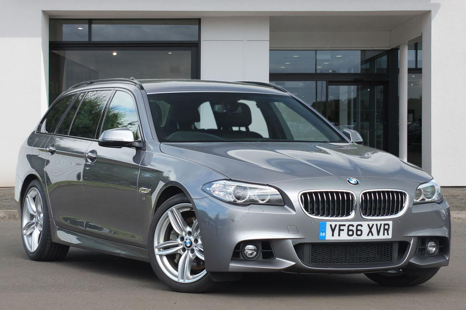 BMW 5 Series Touring YF66XVR - Image 5