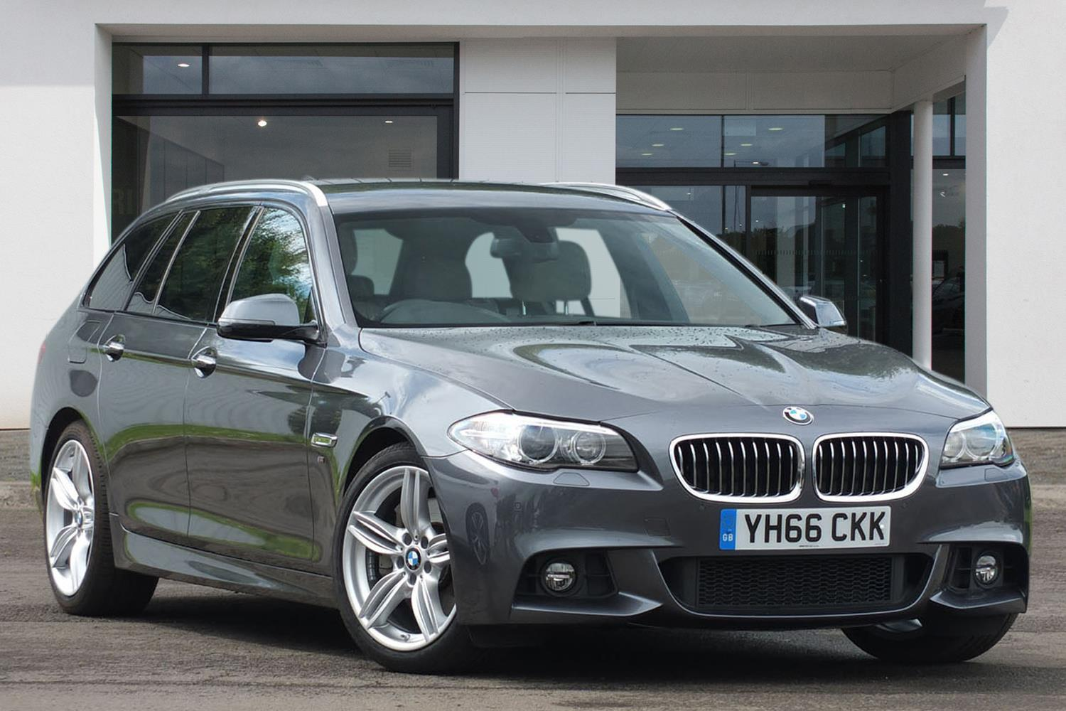 BMW 5 Series Touring YH66CKK - Image 3