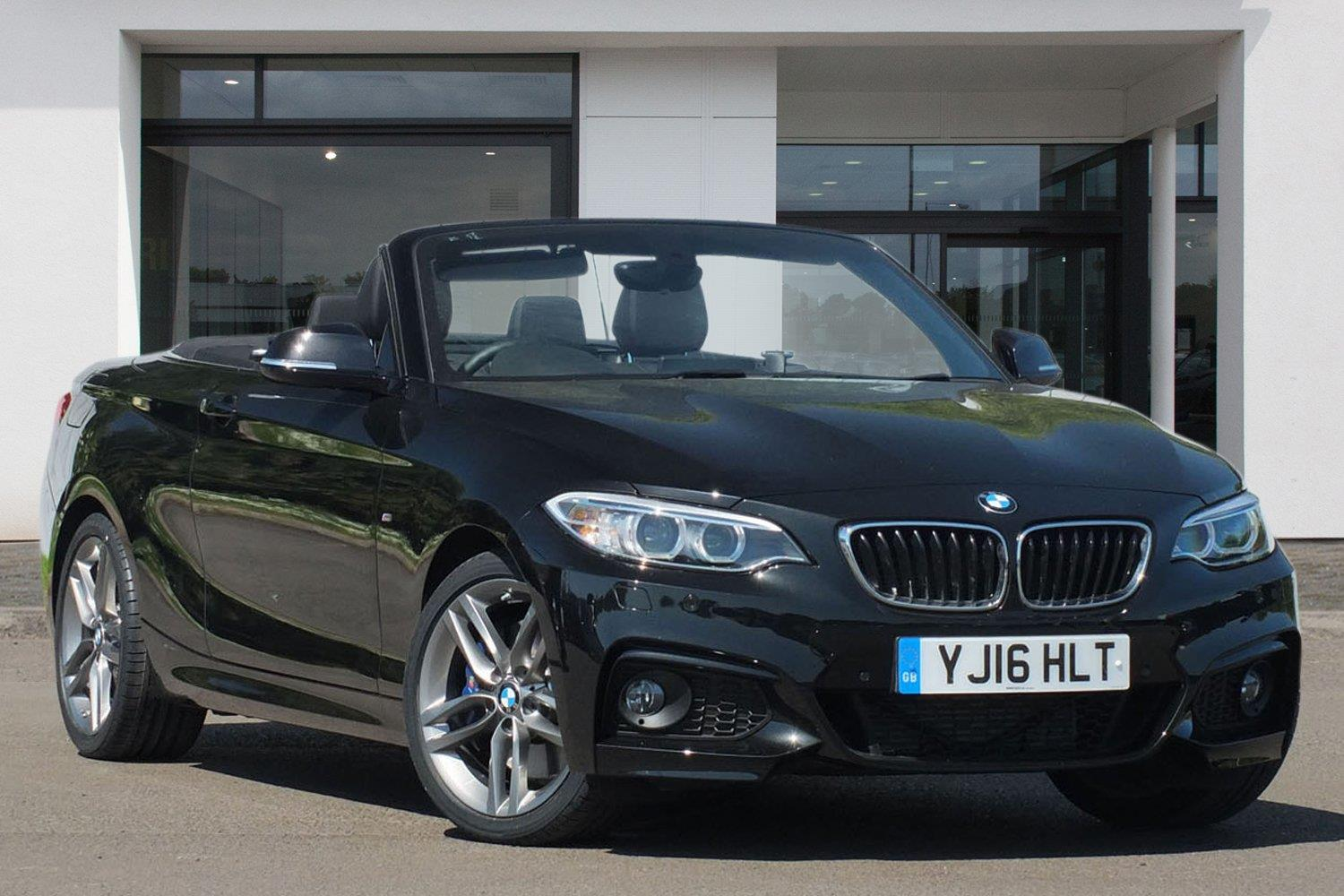 BMW 2 Series Convertible YJ16HLT - Image 9