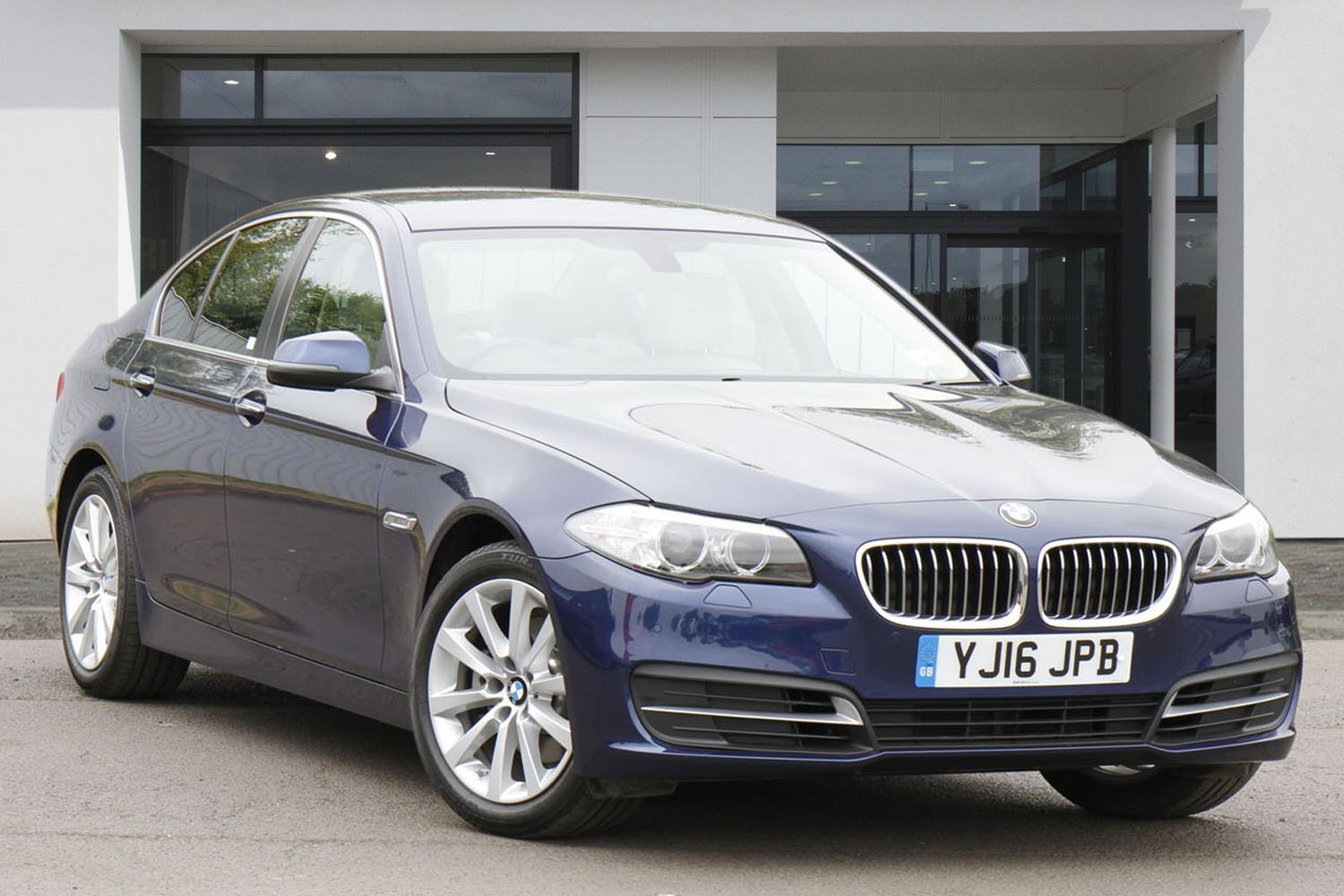 BMW 5 Series Saloon YJ16JPB - Image 10