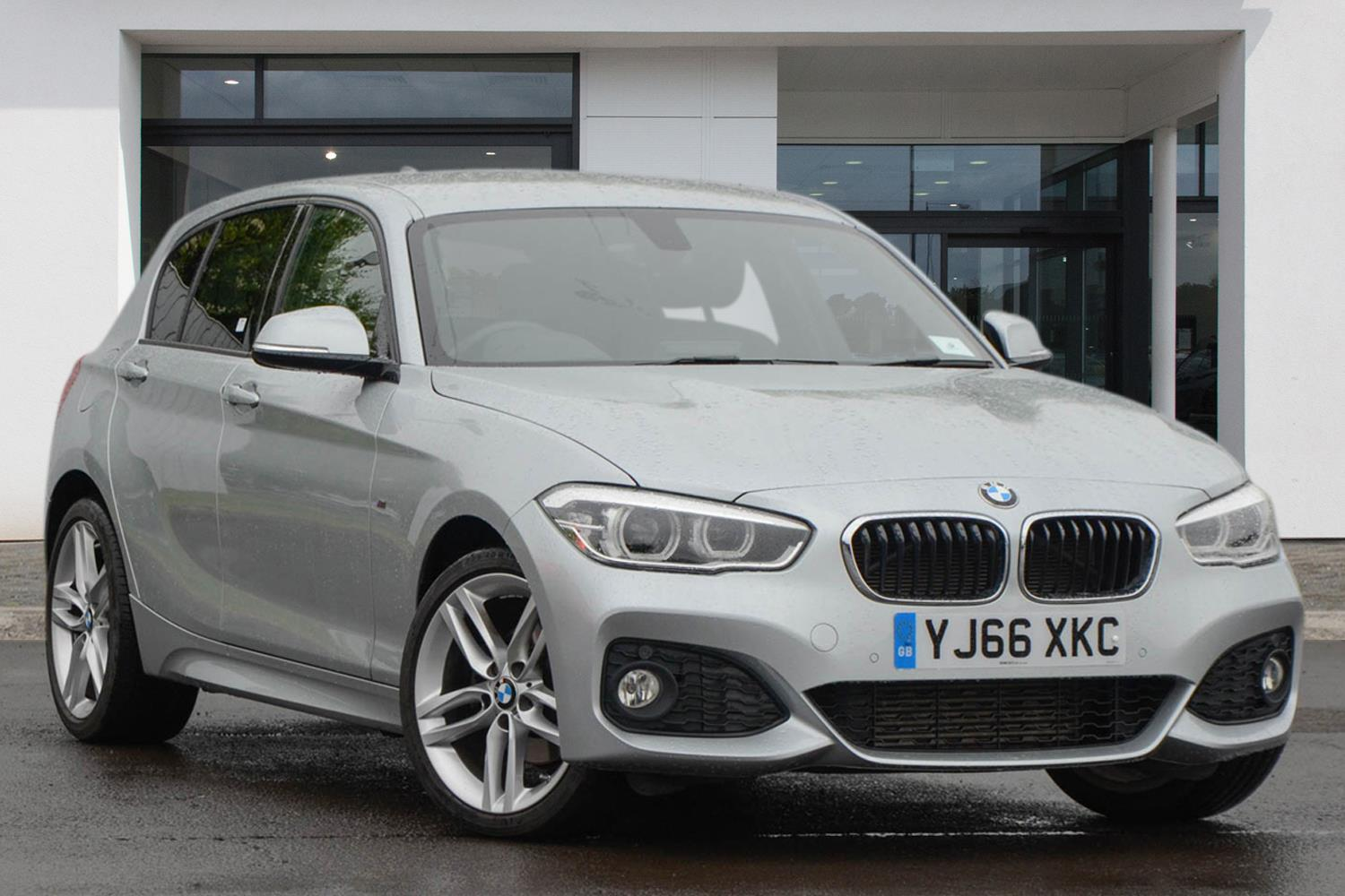 BMW 1 Series 5-door Sports Hatch YJ66XKC - Image 10