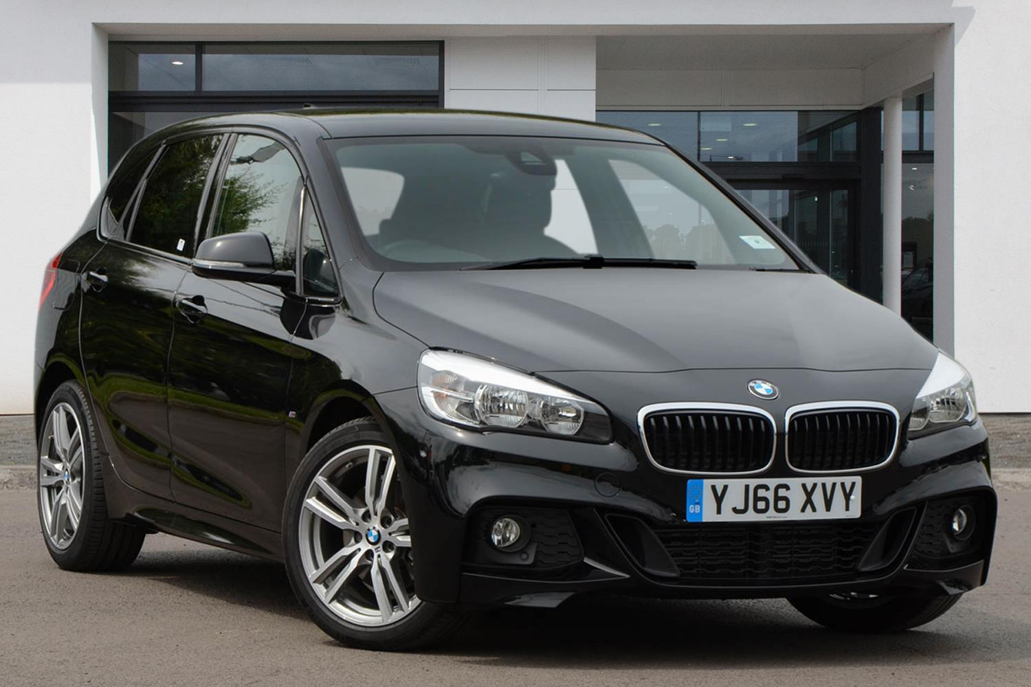 BMW 2 Series Active Tourer 5-Door YJ66XVY - Image 4