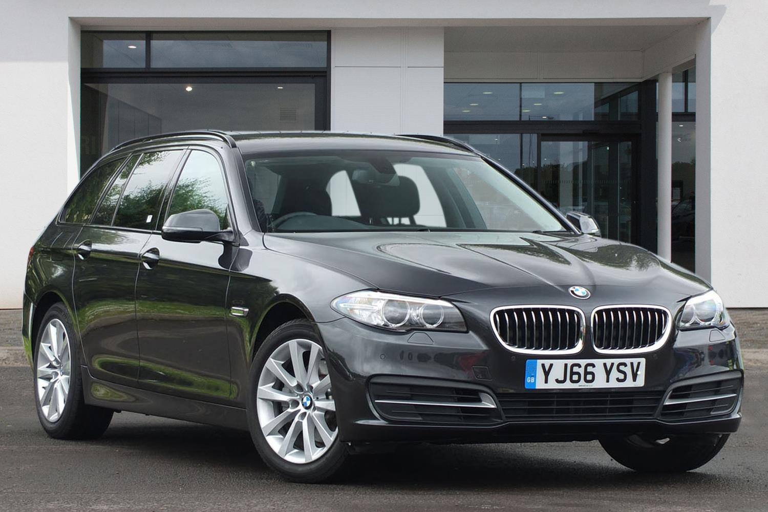 BMW 5 Series Touring YJ66YSV - Image 7
