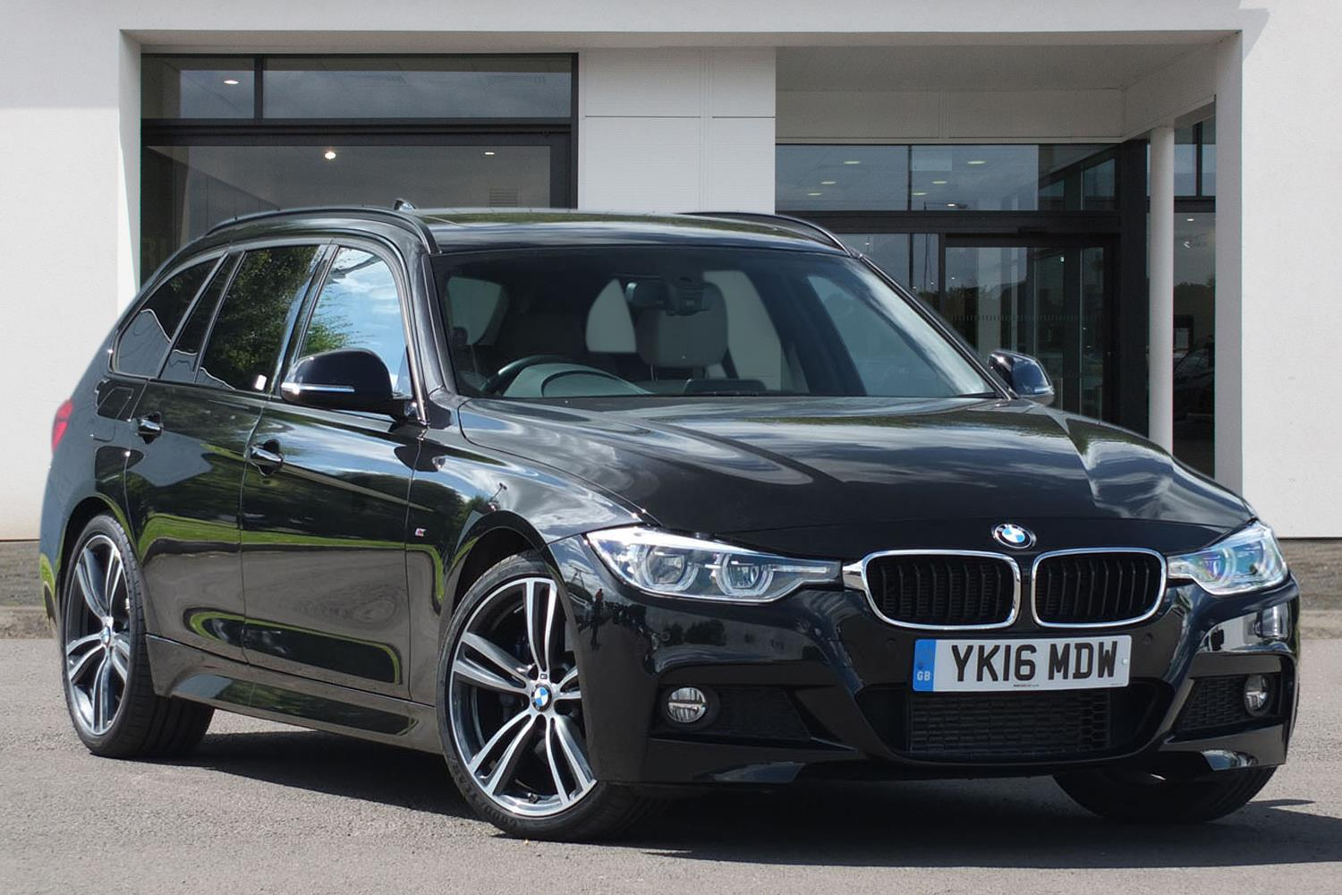 BMW 3 Series Touring YK16MDW - Image 1