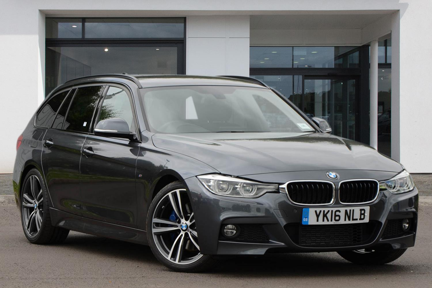 BMW 3 Series Touring YK16NLB - Image 4