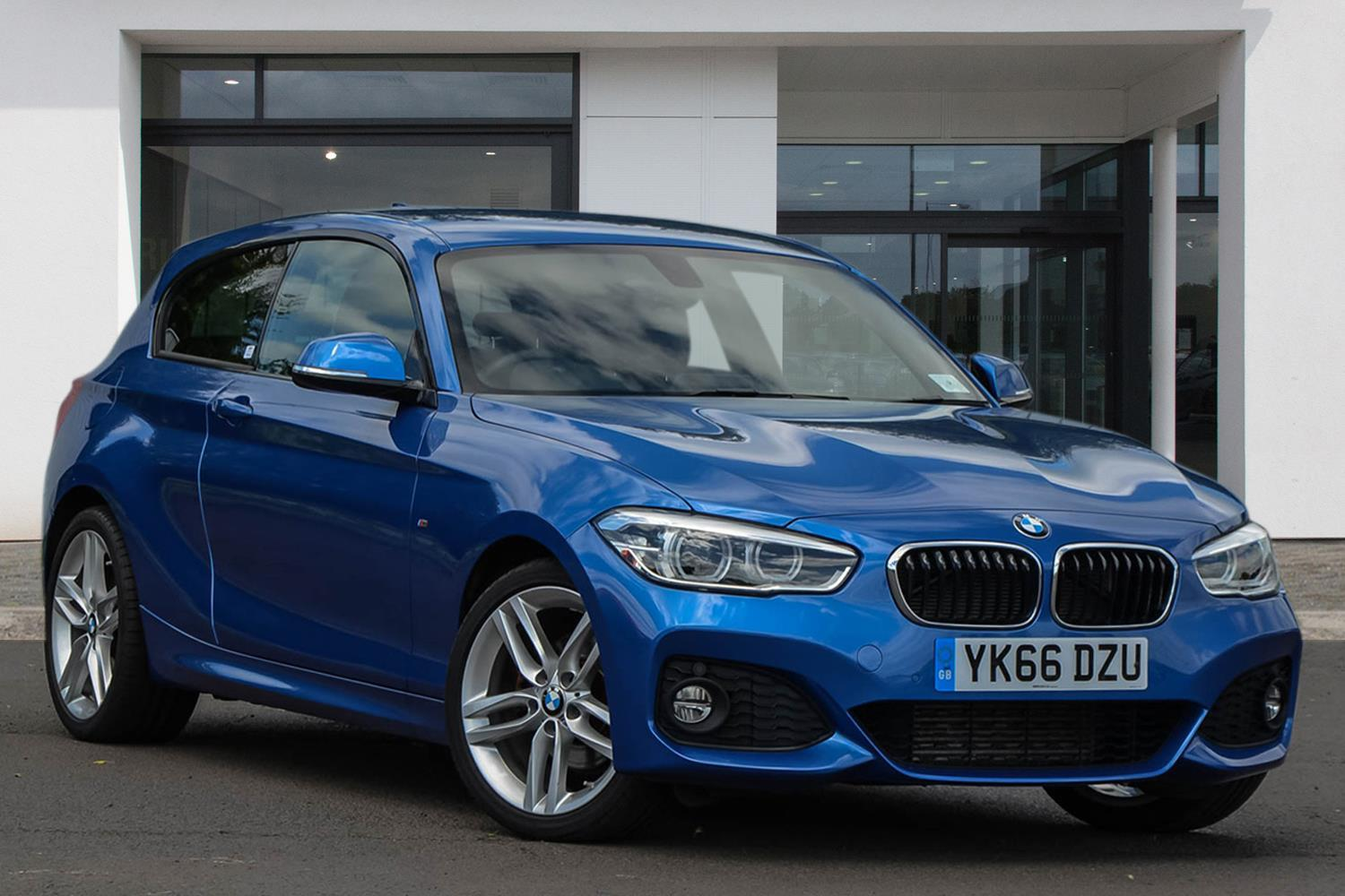 BMW 1 Series 3-door Sports Hatch YK66DZU - Image 3